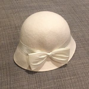 Baby 6-12 months Gymboree Creme Wool Hat with Bow